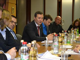 Александр Агеев провел встречу с экспертами гражданского общества, посвященную работе УИКов