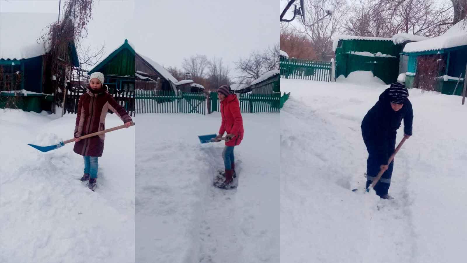 Оренбургская область: добровольцы от СР помогают пожилым людям в сельской местности чистить снег