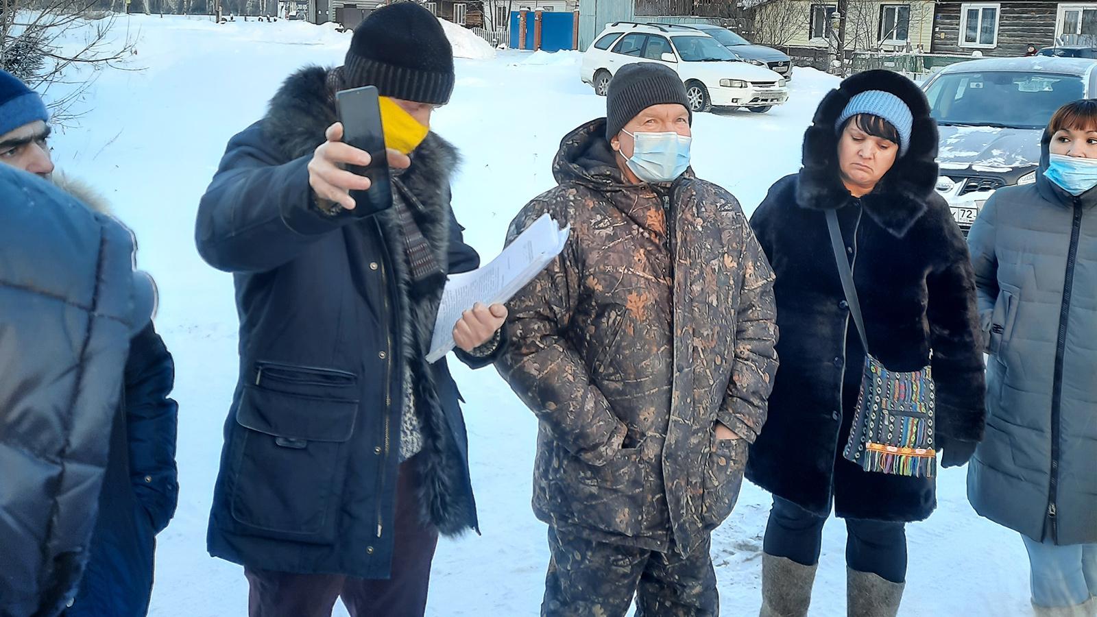 Тюменская область: Александр Ремезков принял участие в сходе жителей деревни Решетниково